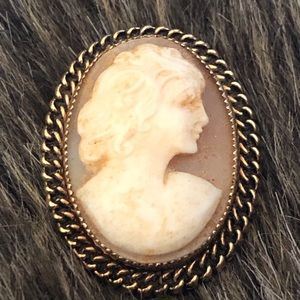 Antique 1940s Catamore 1/20 12kt GF cameo brooch